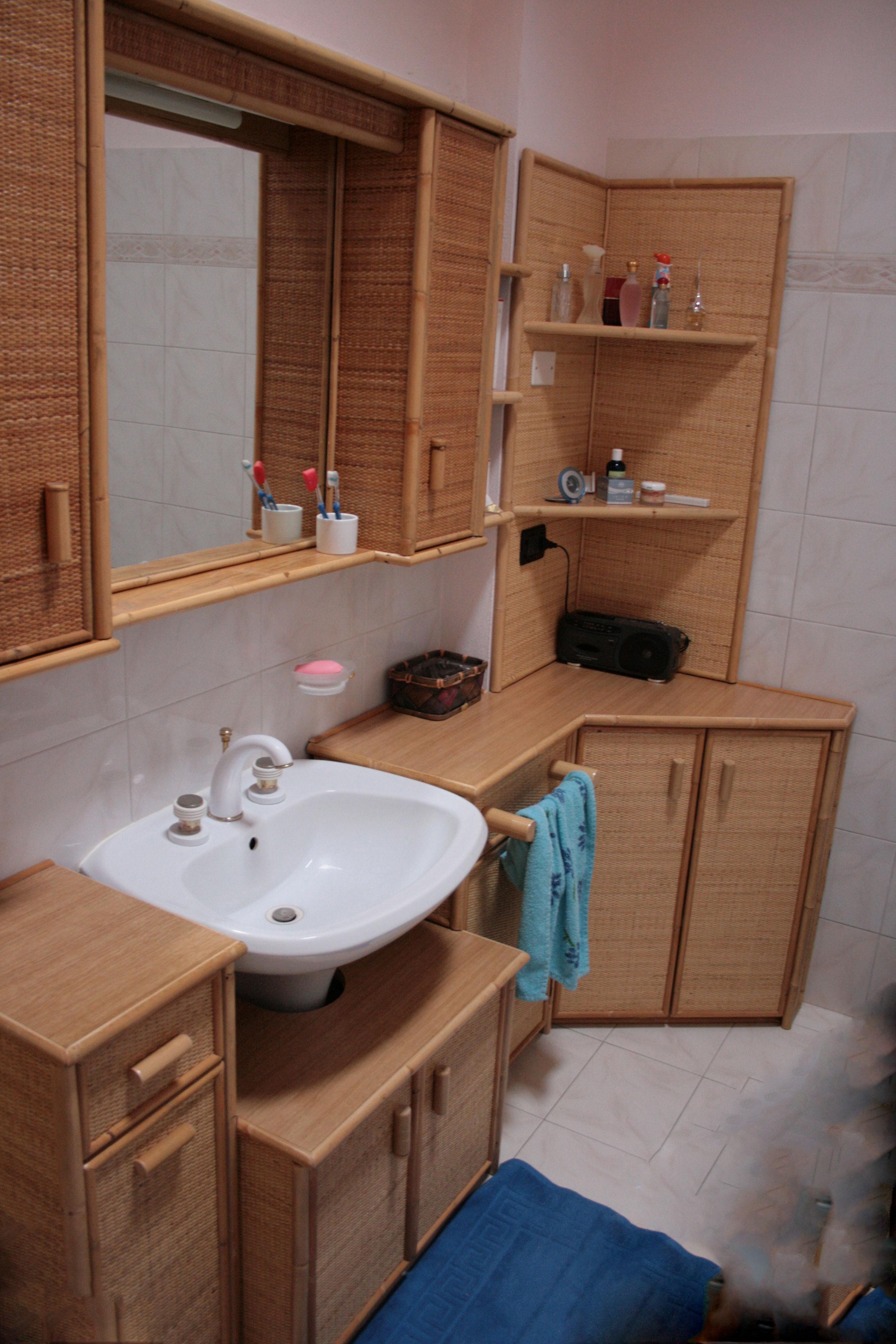 Mobile Sotto Mensola Bagno produzione mobili bagno in rattan,midollino,giunco.